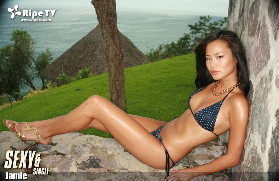 jamie chung sexy bikini pics 03