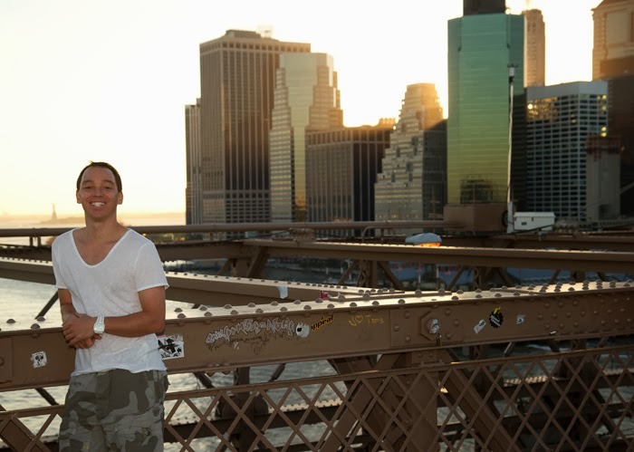 Oliver Cavanna on the Brooklyn Bridge, overlooking Manhattan
