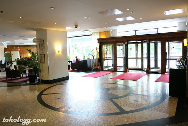 Crowne Plaza Helsinki, lobby