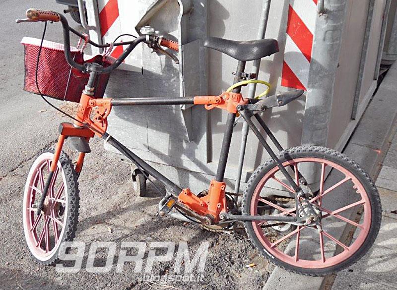 Bicicletta Smontabile In Plastica E Acciaio