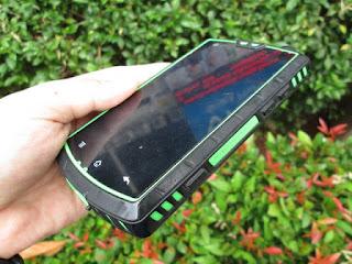 LCD Plus Touchscreen Landrover S600 Outdoor Phone Seken Original