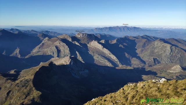 Vista hacia el Pienzu desde el Pico Pierzu