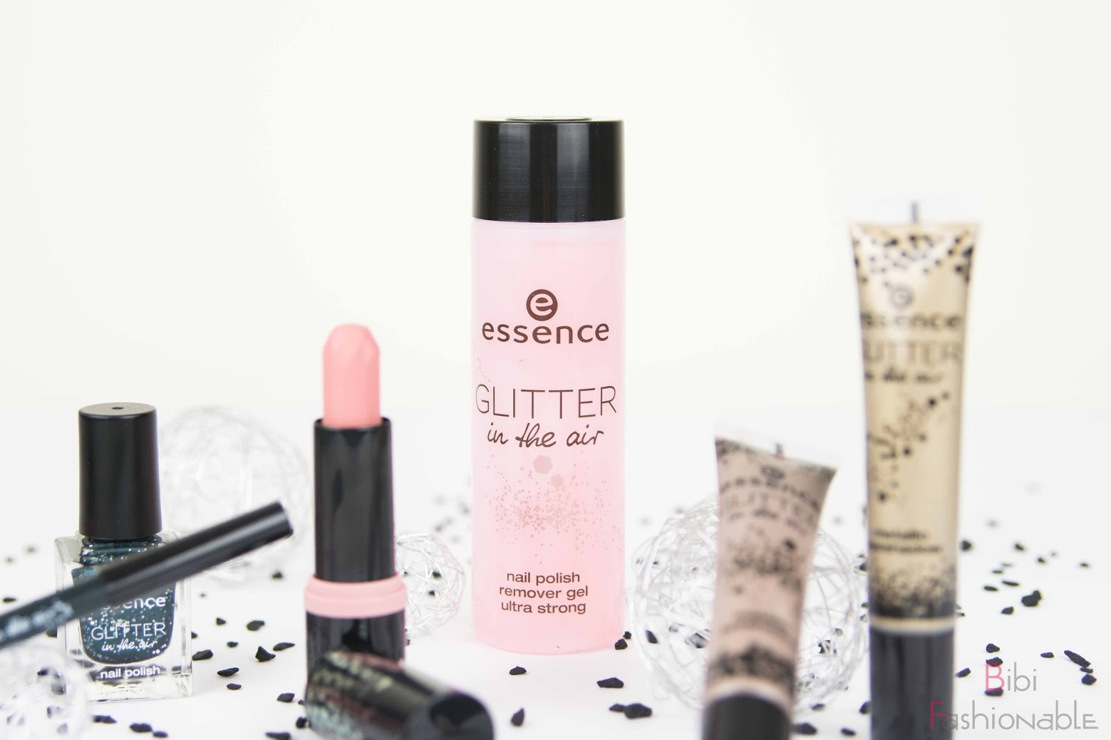 essence trend edition glitter in the air nail polish remover gel