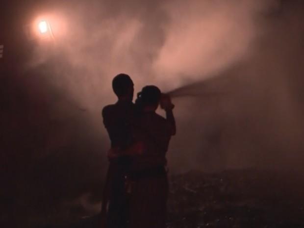 Incêndio atinge residência no Loteamento Jaçanã, em Santa Cruz do Capibaribe