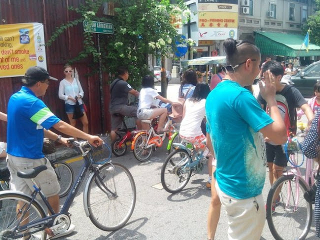 велосипидисты азиаты