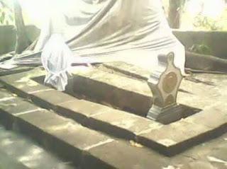 Pageur Ageung Makam Sunan Pada Mertua Prabu Geusan Ulun