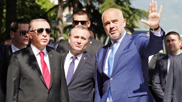 Με χρήματα της τουρκικής κυβέρνησης φτιάχτηκαν οι στολές της αλβανικής αστυνομίας!