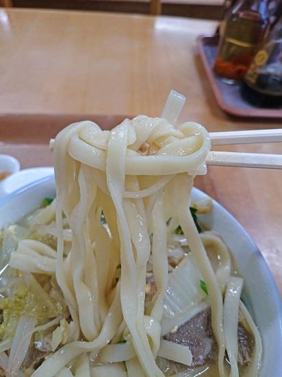肉汁そばの麺の写真
