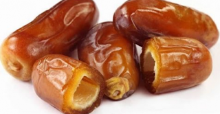 حقيقة علمية ...التمر الفاكهة الأكثر صحة في العالم و التي يمكن أن تعالج الكثير من الأمراض !!!