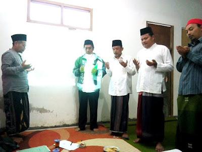 KH. MAftuh Anyudi berdoa untuk kelancaran website PC NU Temanggung