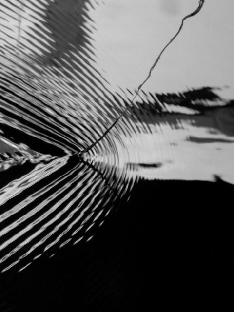 http://jogoraz.tumblr.com/post/144739069991/jogo-z-wind-chimes-in-a-sleepy-cyclone