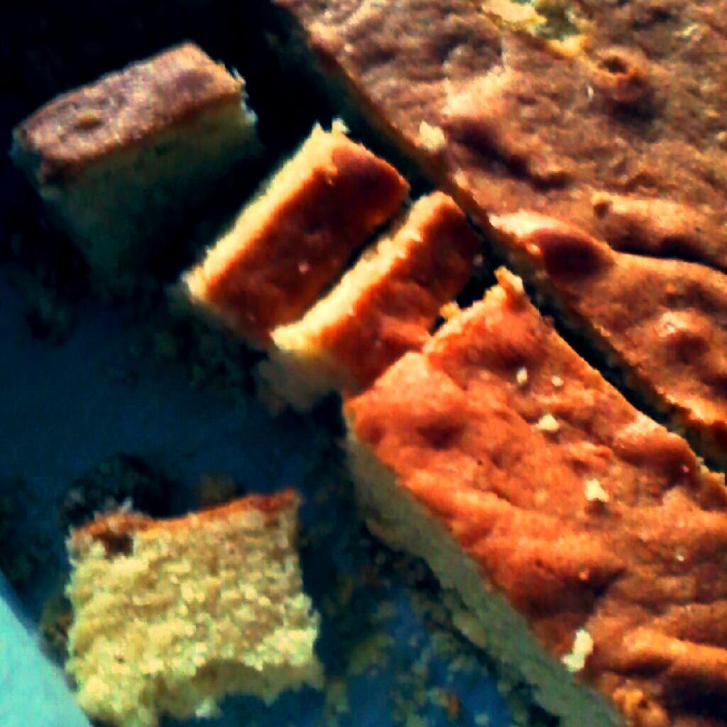 Bakescapade!: Semolina And Raisin Butter Cake/ Kek Suji Kismis