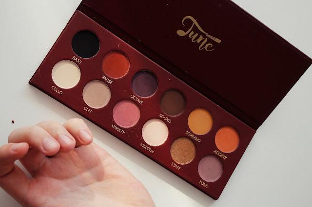 Tune Cosmetics. Tune The (D)-dur paleta matowych cieni