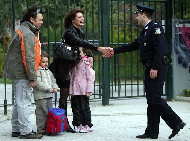 Θεσπρωτία: Οι αστυνομικοί της γειτονιάς στην Ηγουμενίτσα, κάνουν έργο...
