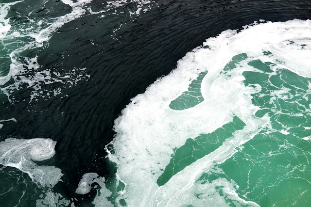 ferry, puget sound, waves, flotsam