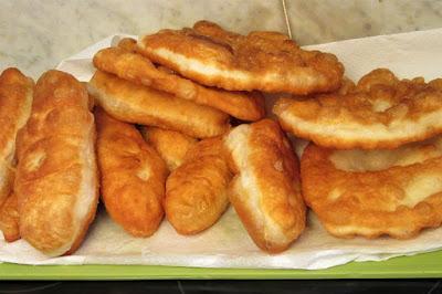 Uštipci s nadjevom / Stuffed donuts