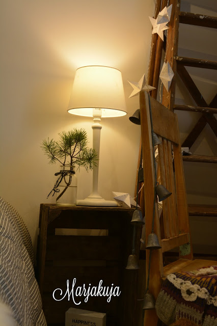 Makuuhuoneen tunnelma, sisustus, omenalaatikot