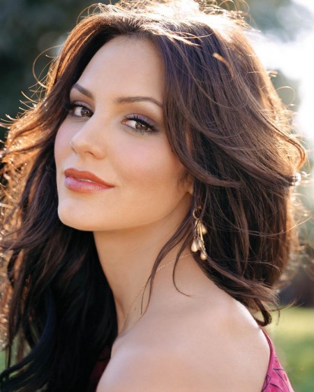 Faces Places Lipstick Traces Katharine Mcphee Gets A New Short Haircut