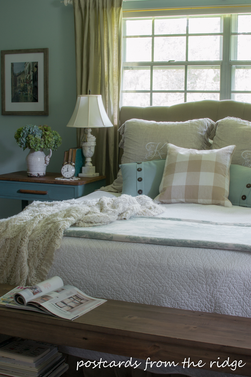 9 simple things you can do to add farmhouse charm to any bedroom. Postcards from the Ridge