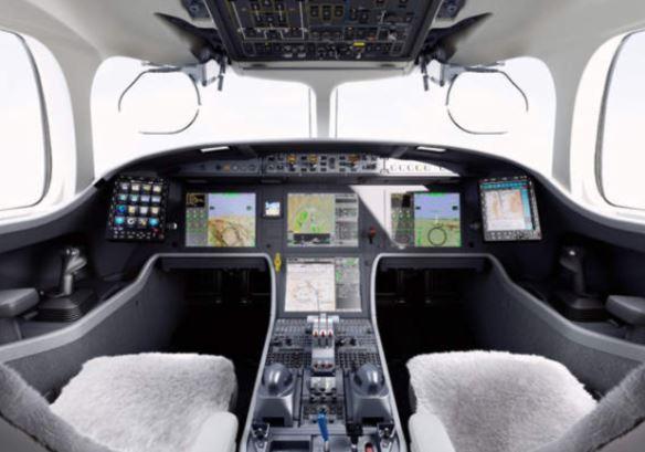 Dassault Falcon 8X cockpit