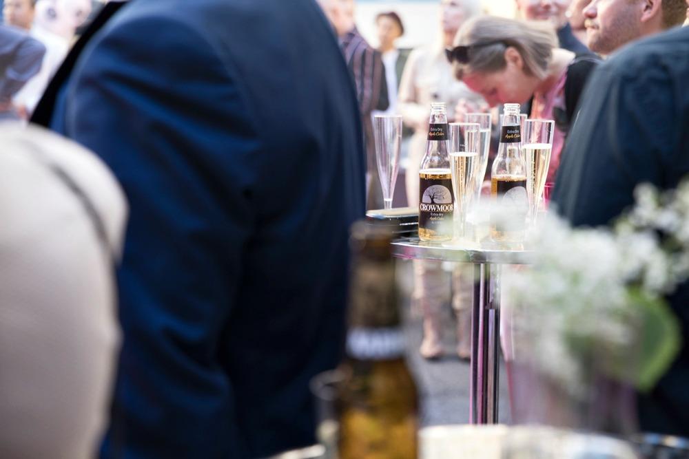 Hotel Helka, Hotelli, Helsinki, kesäjuhlat, bileet, stailaus,, juhlat, juhla, pihajuhla, Helka, 90-vuotisjuhlat, keskusta, sisäpiha, Finland, summer, party, Elias Kaskinen, konsertti