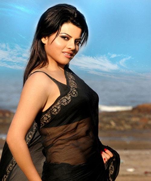 Bhojpuri-Actress-In-Black-Sari