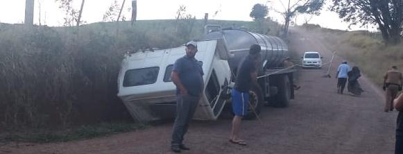 Laranjal: Pai e filho morrem em acidente com caminhão