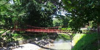Jembatan Putus Cinta Kebun Raya Bogor