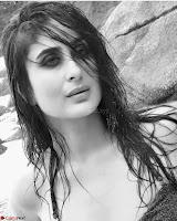 Kareena Kapoor in Bikini for VOGUE January 2018 Happy New year  Exclusive Gallery 004.jpg