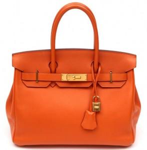 2268a4d00 A graciosa Bolsa, pode custar desde 9 mil dólares até 150 mil dólares! A  cantora Victoria Beckham possui uma coleção de mais de 100 bolsas Birkin e  Kelly.