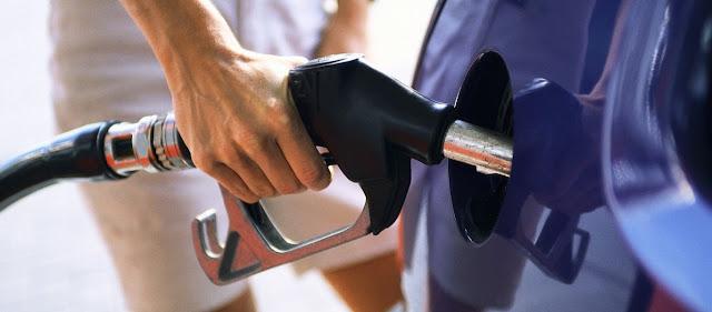 Η «έκρηξη» των τιμών στην βενζίνη προμηνύει ένα εφιαλτικό καλοκαίρι για τους Έλληνες