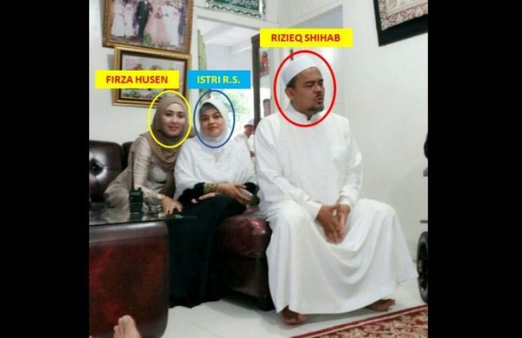 Foto Bugil Firza Husein Dan Chat Penuh Birahi Habib Rizieq