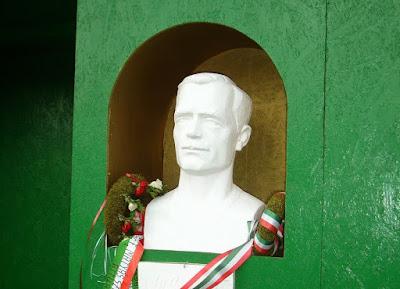 Wass Albert, Szováta, Tóth Ferenc, Románia, Wass Albert-szobor