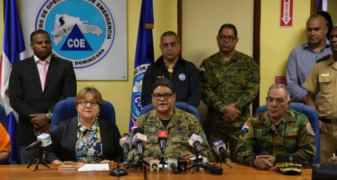 COE aumenta a 14 las provincias en alerta roja por huracán María