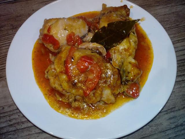 kurczak w sosie paprykowym udka kurczaka w sosie palki z kurczaka w sosie pomysl na kurczaka potrawka z kurczaka