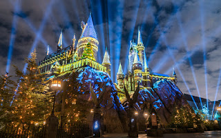 Holiday Lights at Hogwarts Universal
