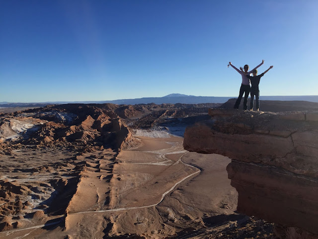 Uma de nossas fotos sobre a Pedra del Coyote, no Valle de la Luna