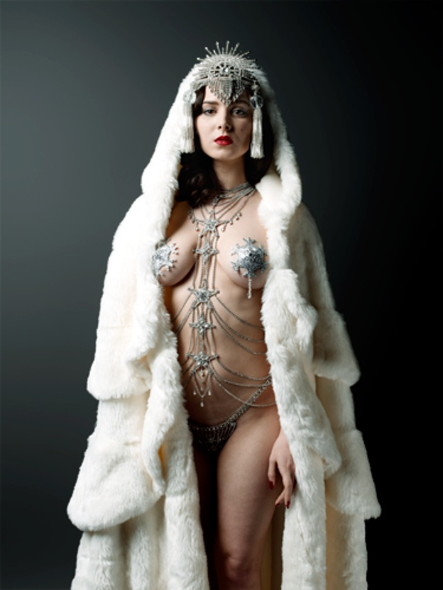 Performer Burlesque Scarlett Diamond