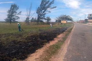http://vnoticia.com.br/noticia/3531-equipe-do-meio-ambiente-de-sfi-controla-incendio-em-area-de-restinga-na-praia-de-santa-clara