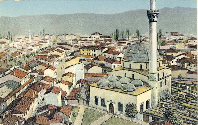 Panorama of Bitola westward made from the Clock Tower in 1917. Yeni Mosque and buildings of Pekmez Market are in the foreground.