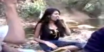 Drunk Sri Lankan Girls Doing Crazy බීලා නටන ලංකාවේ කෙල්ලෝ