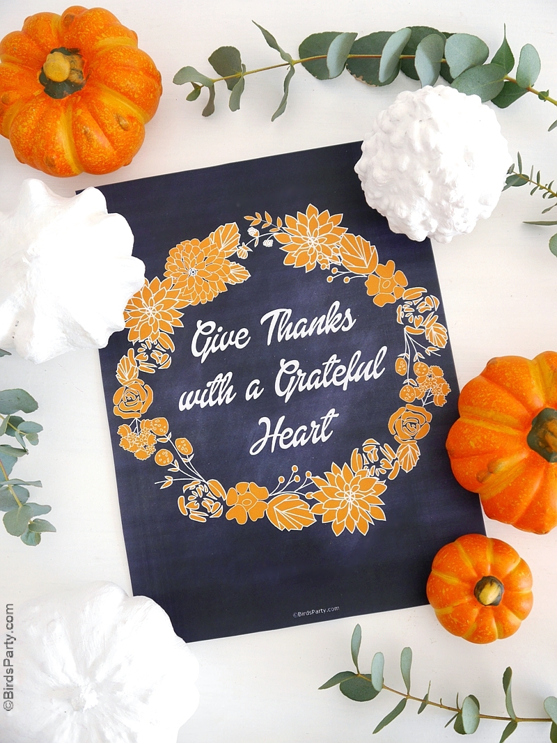 Free Printable Thanksgiving Chalkboard Sign - print and display your free download to celebrate Fall or as a home decor poster! | BirdsParty.com