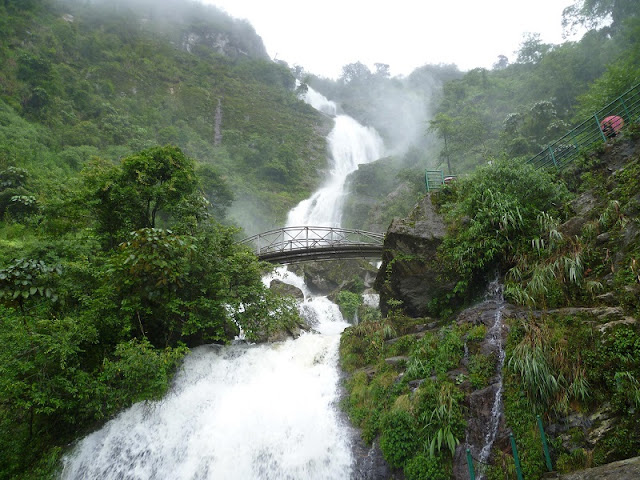 What do you know about Sapa Sivel Waterfall? 1