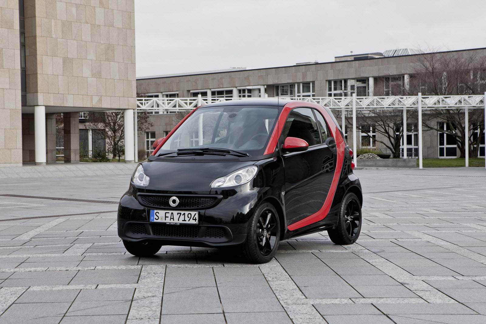 A Sharp Mix Of Colours Smart Fortwo Sharpred