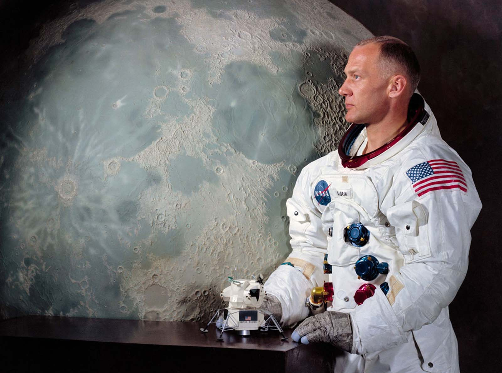 Um retrato oficial do Apollo 11 Lunar Module Piloto Buzz Aldrin.