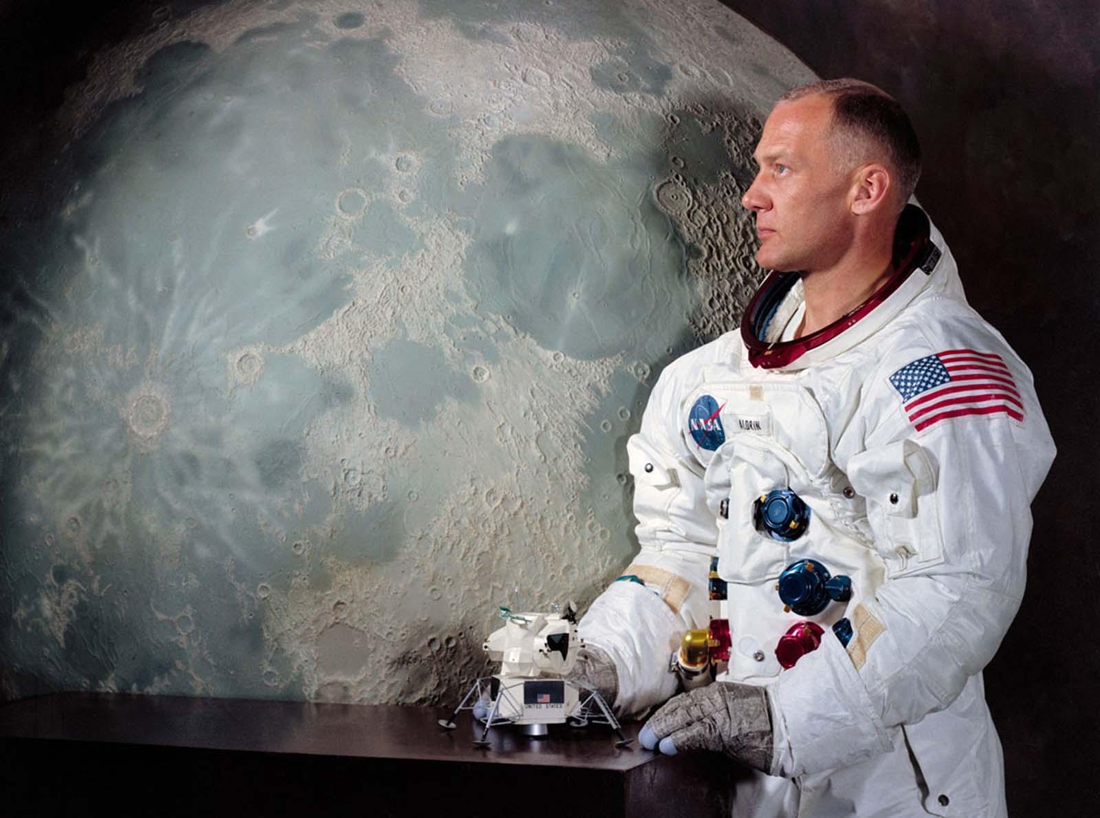 Apollo 11 preparation%2B%25285%2529 - Fotos raras da preparação de Neil Armstrong antes de ir a Lua