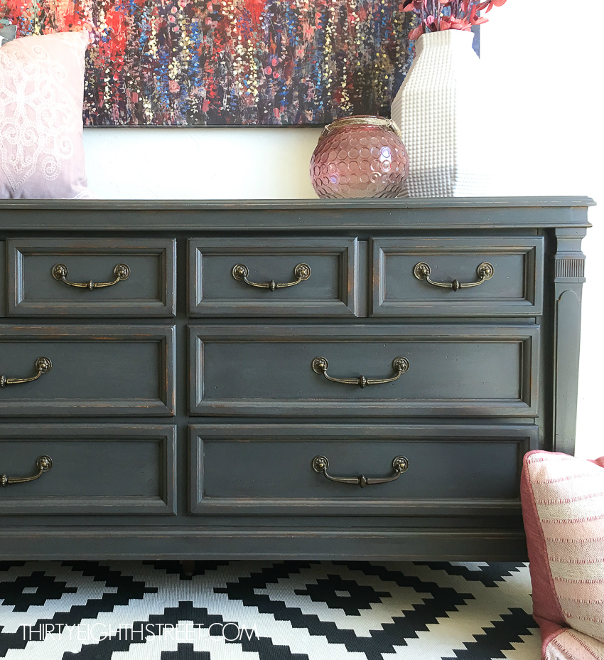 Painting furniture to look rustic. Rustic paint and shabby chic distressed dresser.