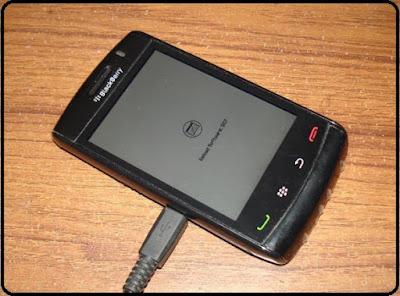 menginstal OS Blackberry 9850 bb torch