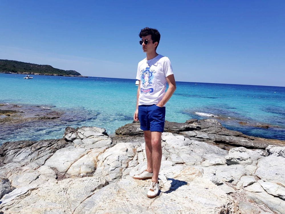 blog-mode-style-homme-paris-bordeaux-corse-plage-du-lotu-look-estival-ete-vacances-bagues-tshirt-twentyshirt-somewhre-short-coton-oxford-lunettes-soleil-edwardson-eyewear-thomas-sabo