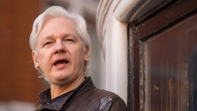 Julian Assange, do WikiLeaks, sentenciado a 50 semanas na prisão do Reino Unido